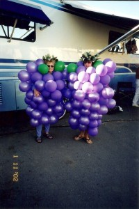 2002-rally-grape-ladies
